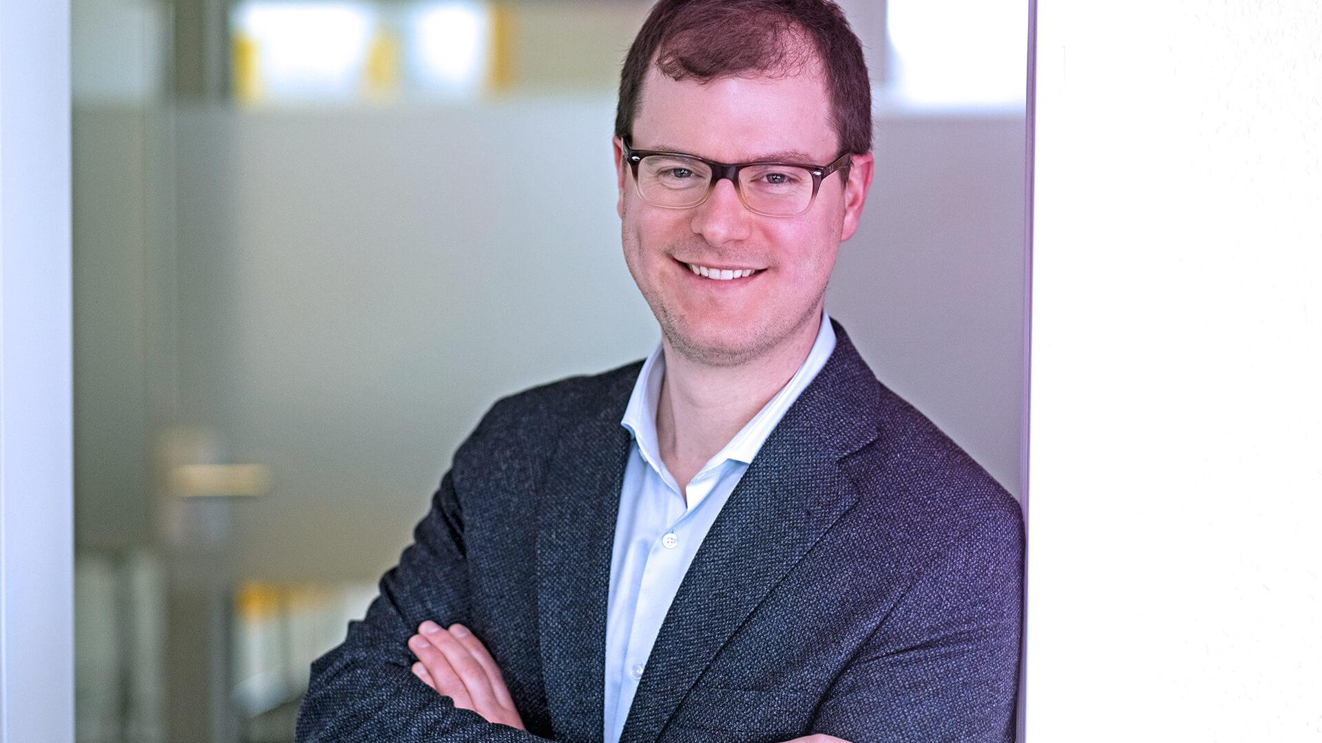 Dr. Tobias Hoffmann ist Projektleiter bei Strategie & Consulting
